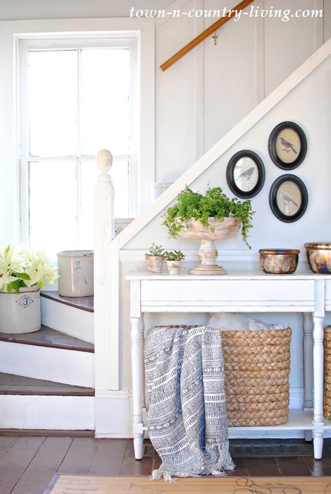 Styling a Console Table with Baskets and Vignettes