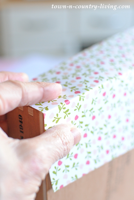 How to decoupage a cigar box