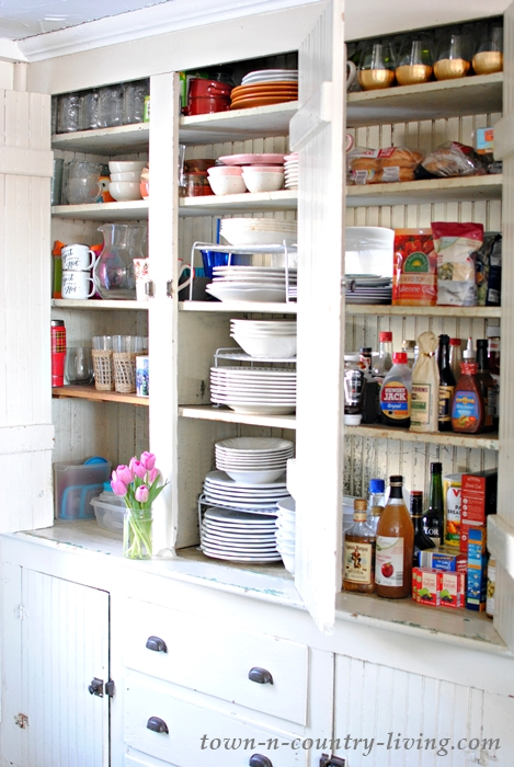 Organizing Kitchen Cabinets in Five Easy Steps - Town & Country Living