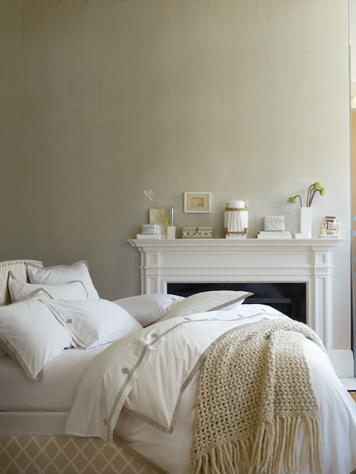 Traditional Bedroom in Creamy Whites