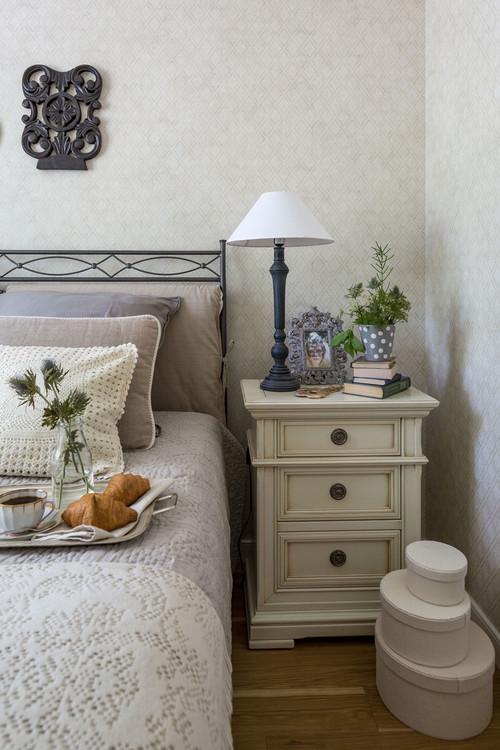 Traditional Bedroom in Soft Tones