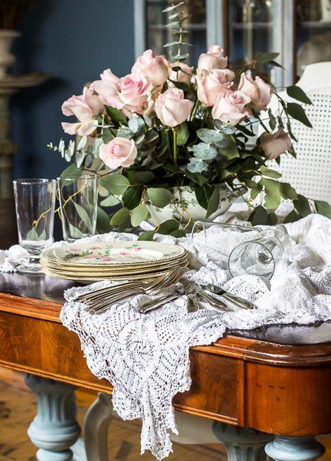Romantic Homes Table Setting