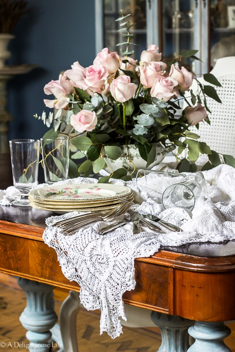 Romantic Homes Table Setting