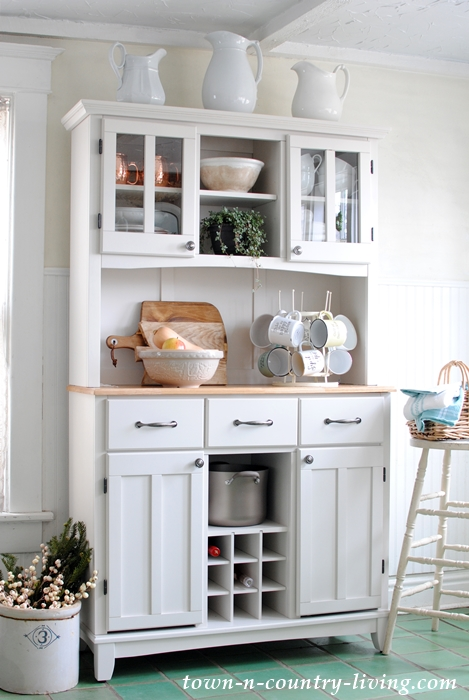 Farmhouse House to Increase Kitchen Storage