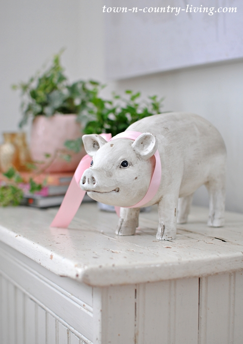 Farmhouse Pig with Pink Ribbon