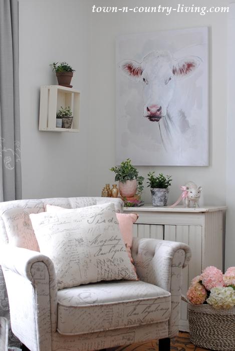 Romantic Farmhouse Sitting Room