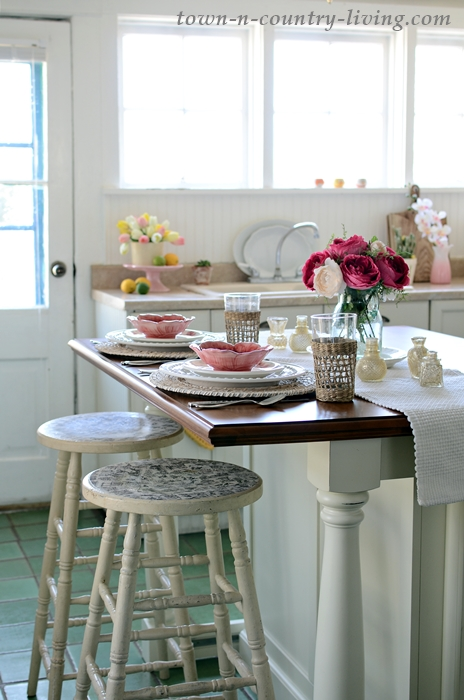 Kitchen Island Set for Spring Breakfast