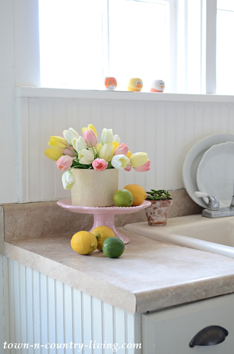 Fresh Spring Decor in the Kitchen
