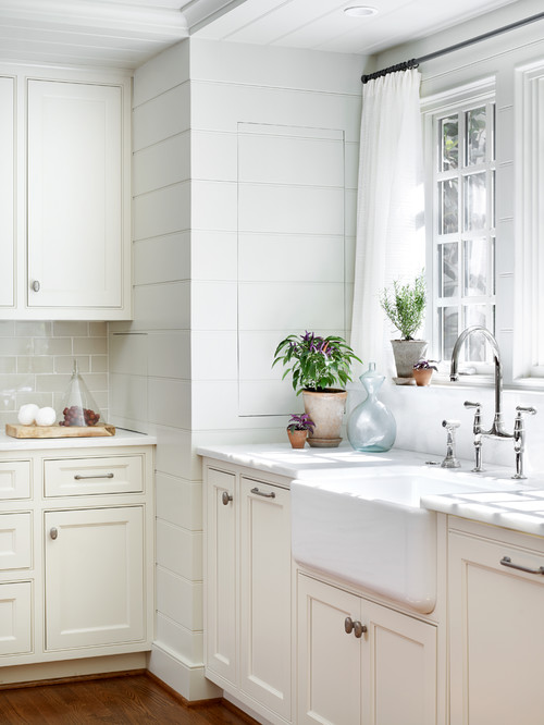 White Country Kitchen with Farmhouse Sink