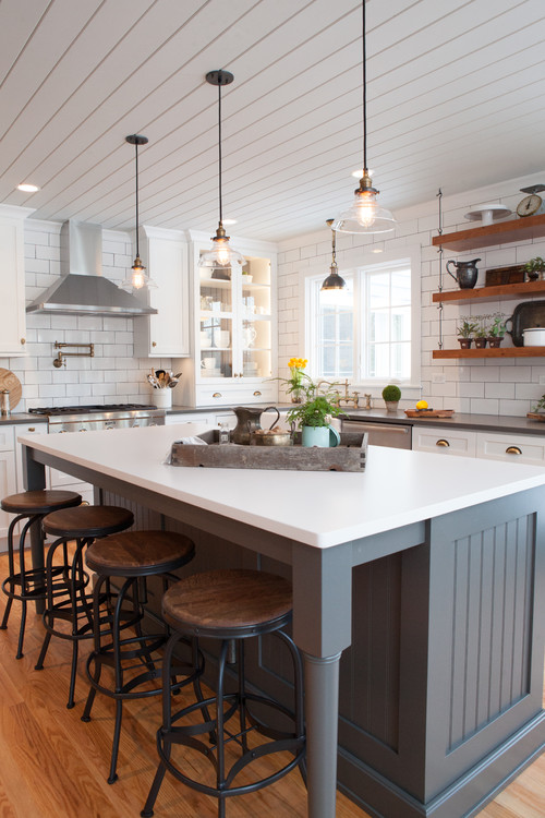 Farm House Kitchens: Fresh Farmhouse Kitchen In Gray And White