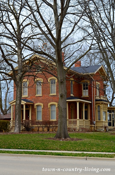 Red Brick Historic Homes in Aurora, Illinois