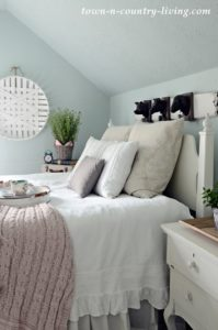 How to Decorate Your Bedroom for Spring