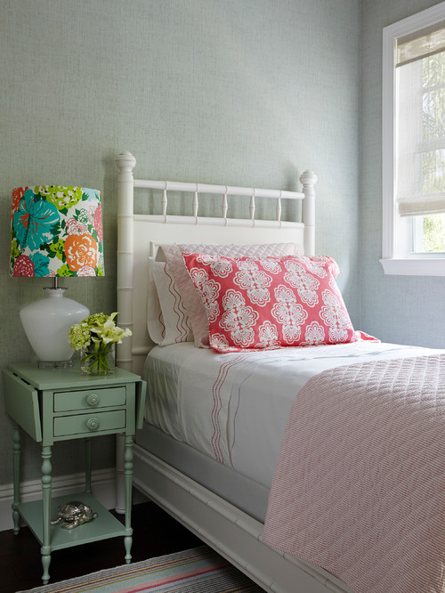 Charming Girls Bedroom in Pink and White