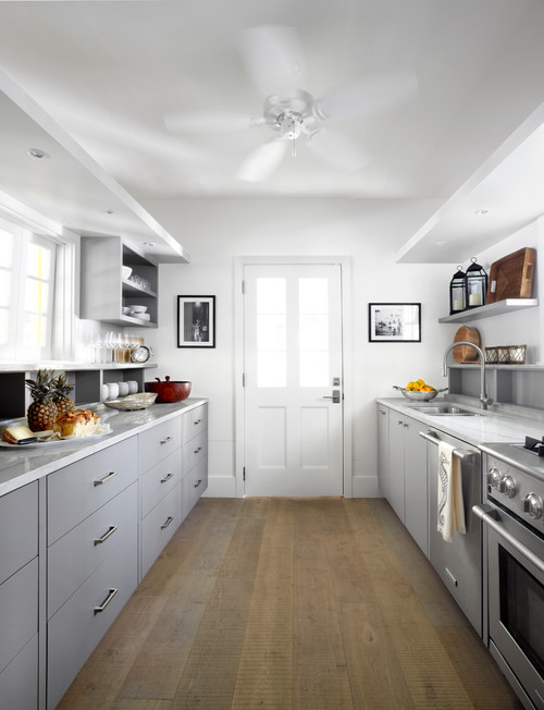 Gray and White Beach Style Cottage Kitchen