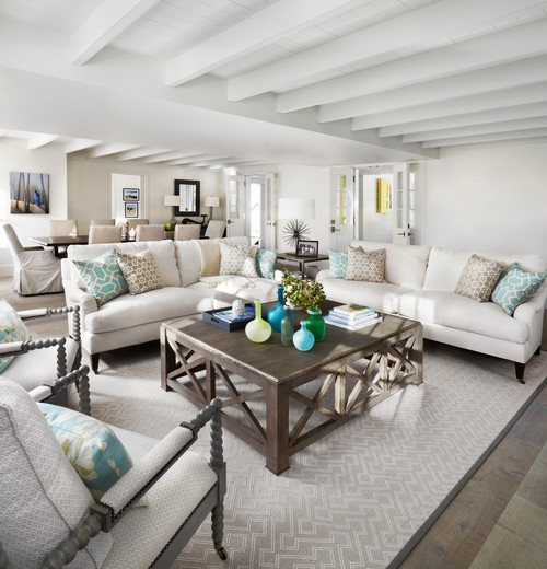 Beachside Living Room in Sunny Poolside Cottage
