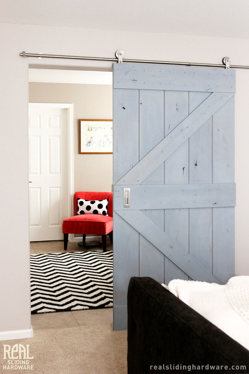 Sliding barn door between bedroom and sitting room