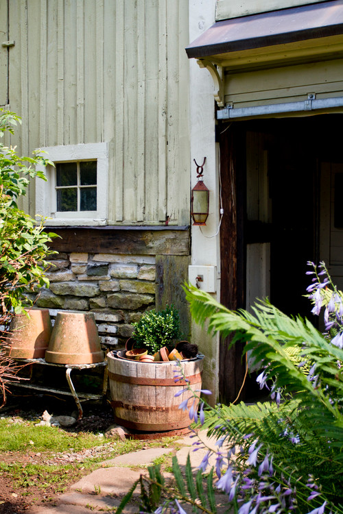 Second hand finds create a charming country garden