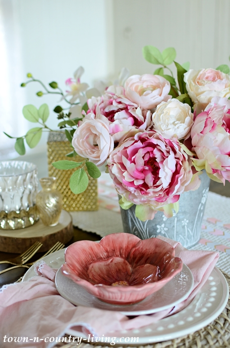 Pink and White Romantic Table Setting