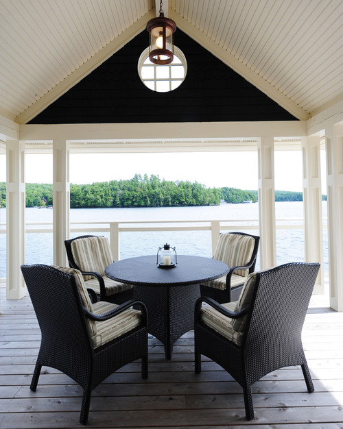 Waterfront Dining in Cozy Balcony Style Porch