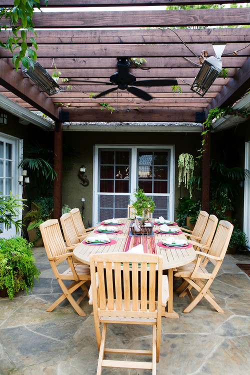Outdoor Dining Under a Pergola