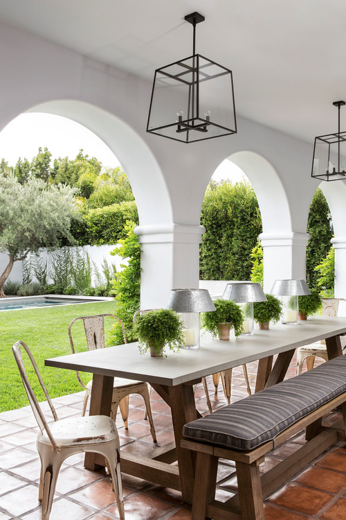 Mediterranean Style Outdoor Dining Space