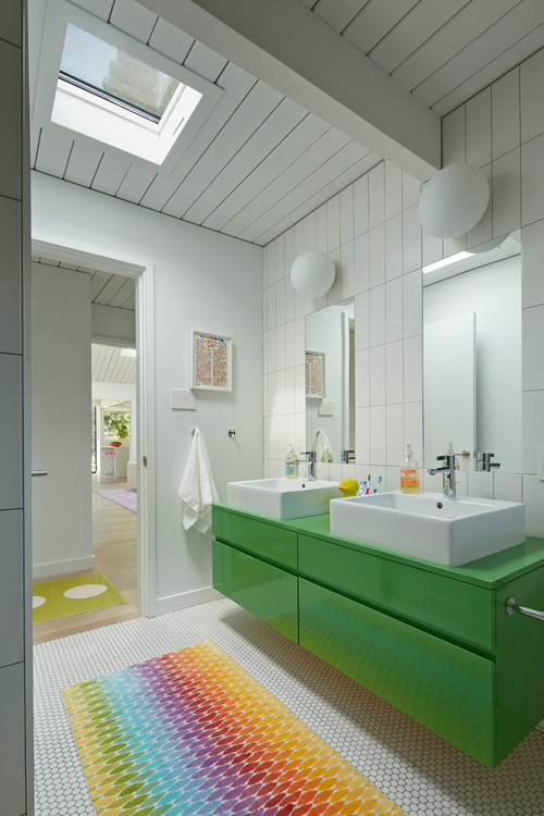 Bright and Bold Mid Century Modern Bathroom