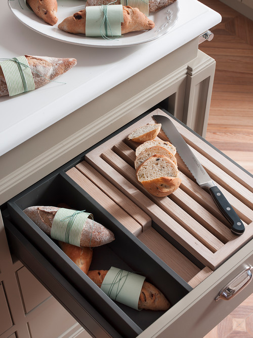 Slicing Drawer for Bread