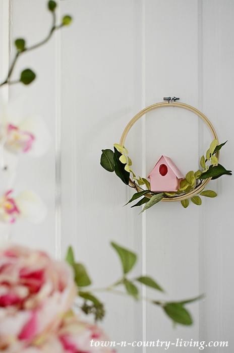 DIY Paper Birdhouse Wreath