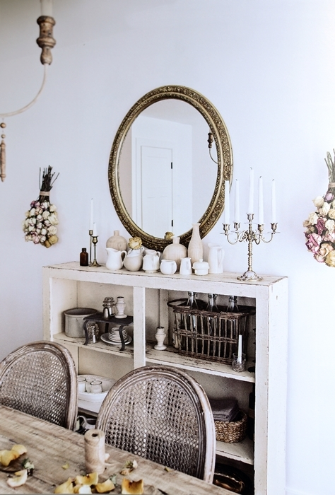French Vintage Decor in Dining Room