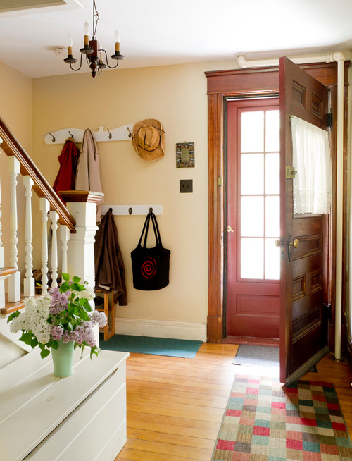 Cozy Entryway in New England Home