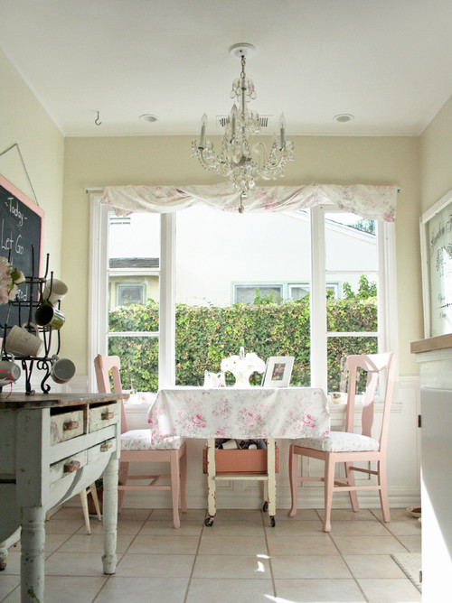 Cottage Style Breakfast Nook in Kitchen