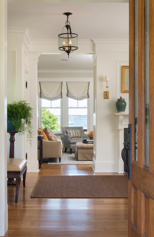 Coastal Style Entryway in Neutral Tones