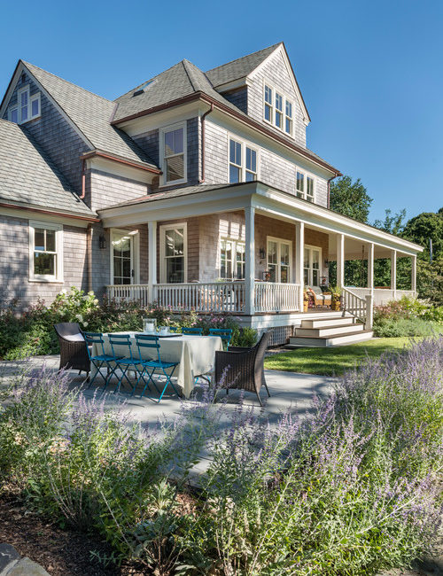 Coastal Style Home Located on the Harbor