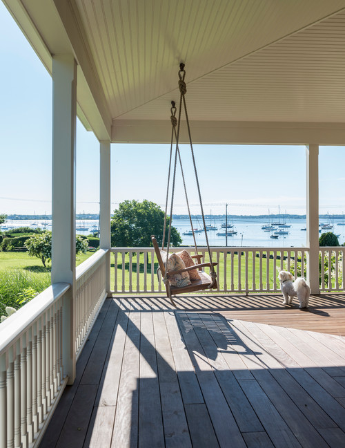 Harbor Cottage with Expansive Waterfront Porch