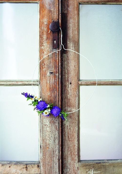 Simple Wire Floral Wreath