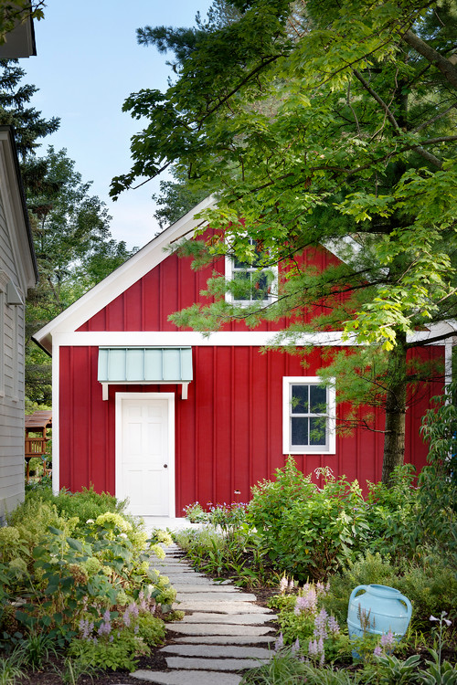 Farmhouse Shed in Red Board and Batten