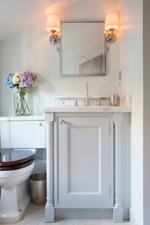 Soft Colors in Victorian Style Bathroom