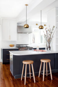 9 Kitchen Peninsula Ideas to Enhance Your Cooking Space