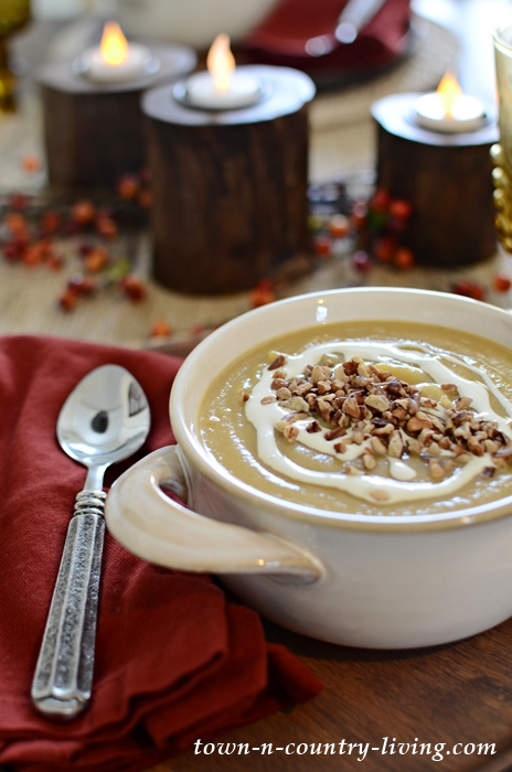 Celebrate Fall with a Heartwarming Bowl of Apple Butternut Squash Soup