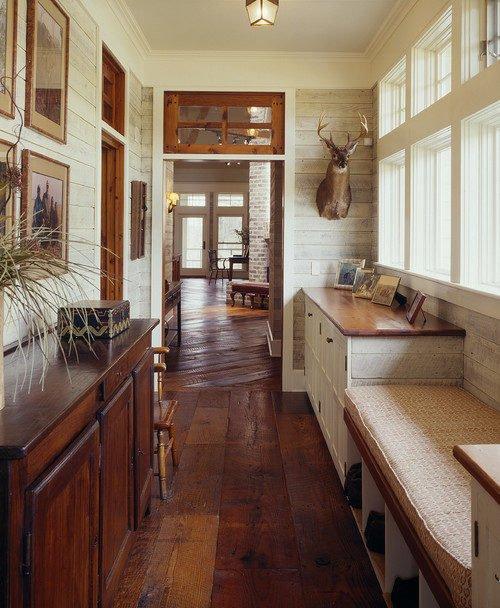 Reckaimed Barn Wood Floor in Farmhouse Hallway