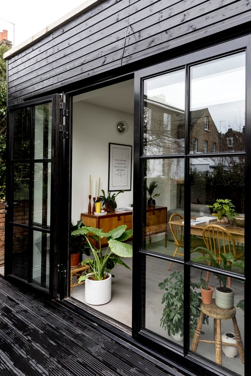 Outdoor Patio of London Brick Cottage