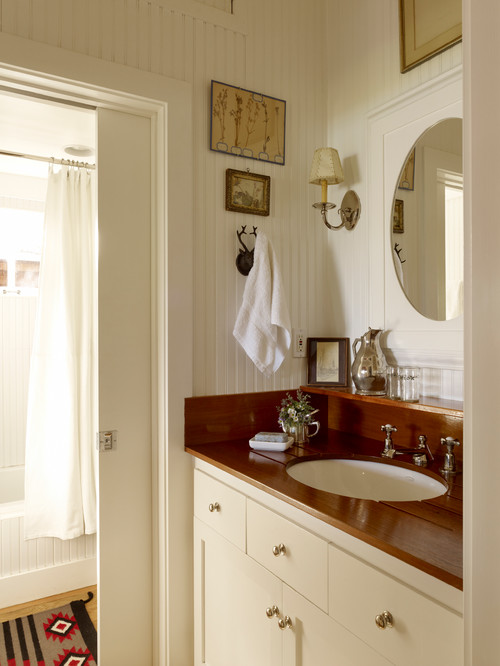 White Country Cottage Bathroom