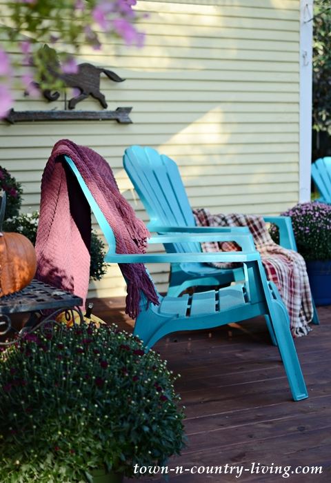 Adirondack Chairs, Mums, and Pumpkins for Outdoor Fall Decorating
