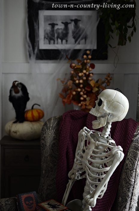 Skeleton Sightings in Halloween Home Tour