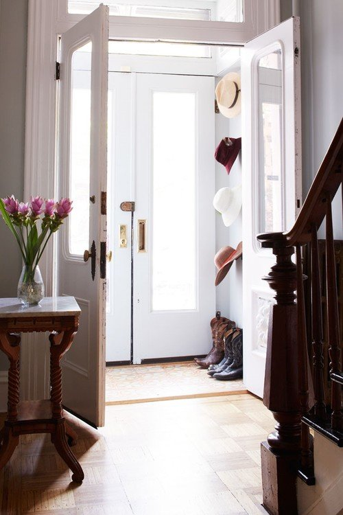 How to Decorate with Hats in Victorian Entryway