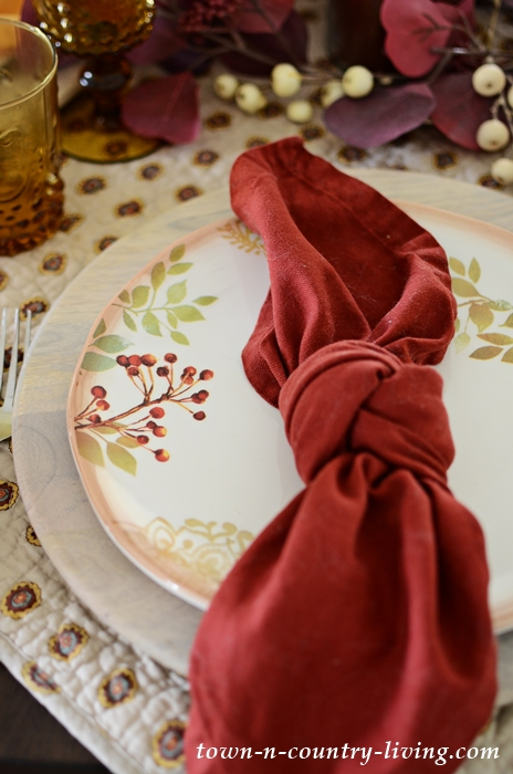 Fall and Thanksgiving Table Setting