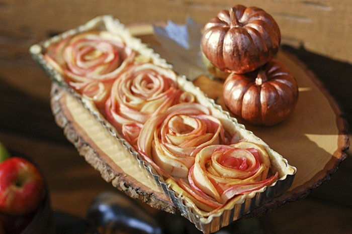 Apple Rose Tart by Tikkido