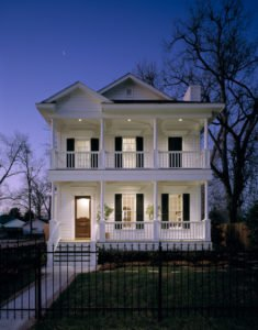 Nighttime Curb Appeal for Shorter Days
