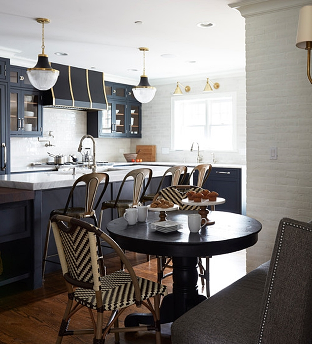 Farmhouse Style Small City Kitchen in Dark Gray