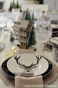 Christmas Table Setting: Modern Country Style